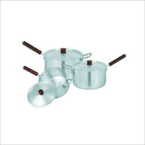 Sonex Sauce Pan Wooden Hanlde With Lid 3 Pcs Set 4×6 – 50274